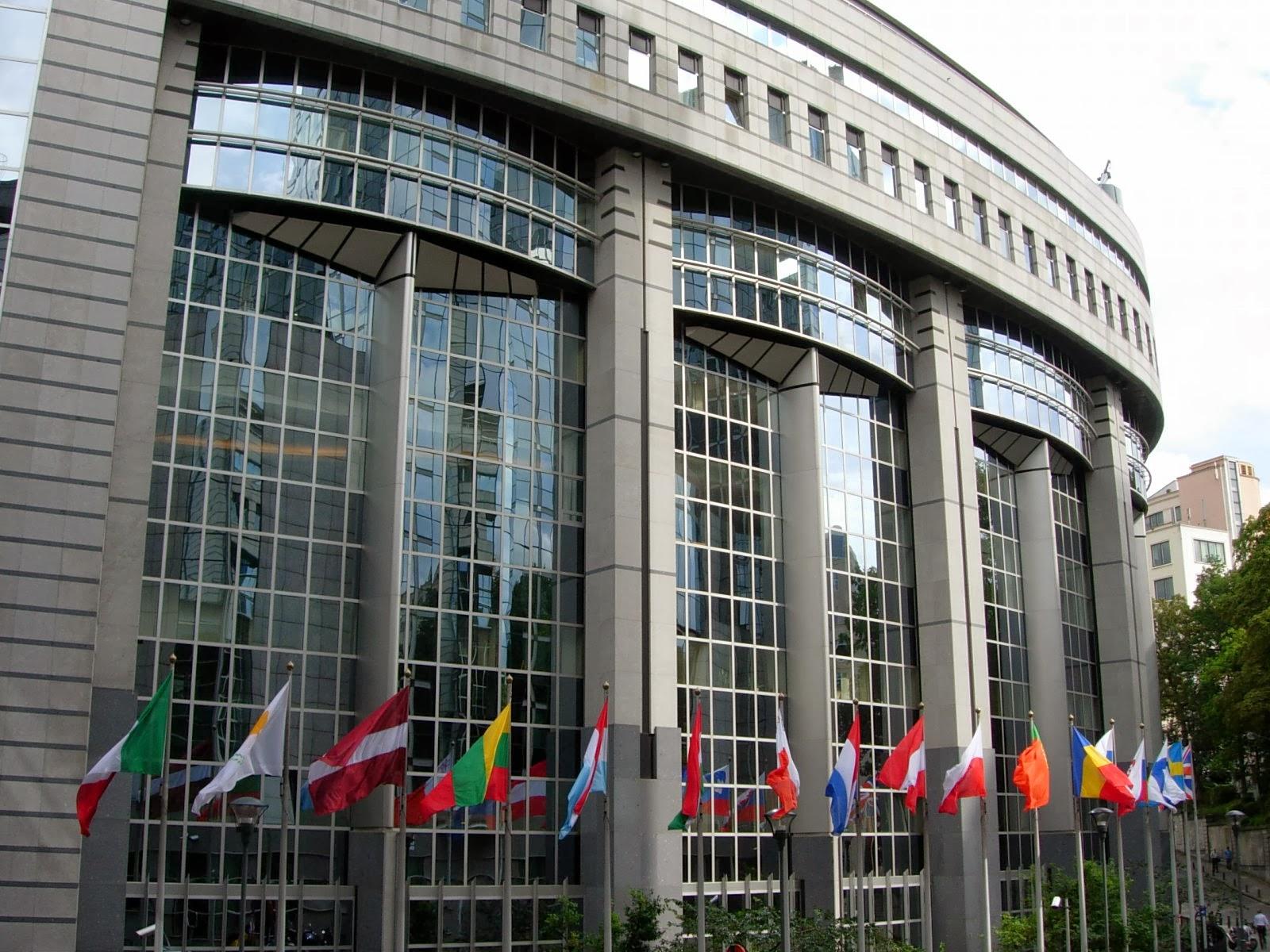 натяжные потолки clipso в Европарламенте